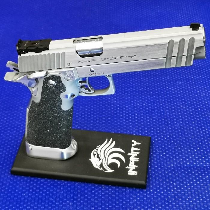 Pistolenständer 2011